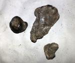 Bucati de meteorit? Topitura?