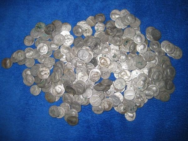 Tezaur monetar roman descoperit in Romania